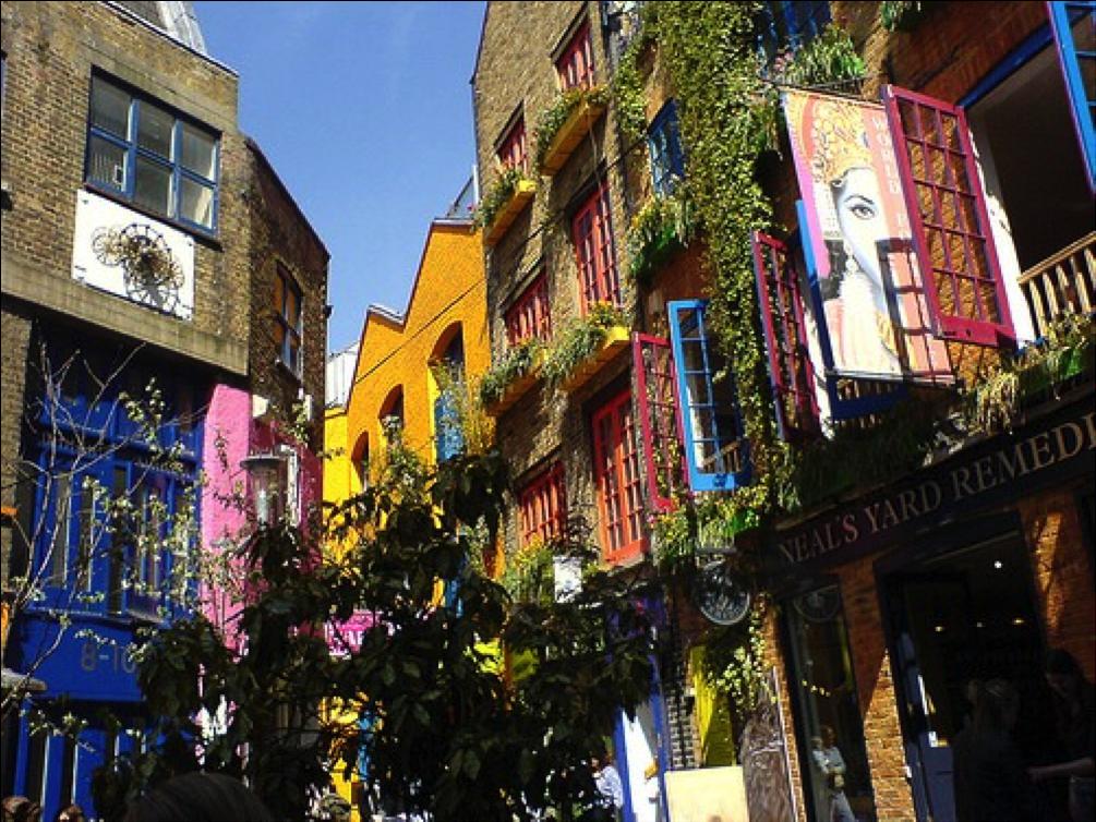 Londra agenzia immobiliare angel investimenti sulla carta for Arredamento per agenzia immobiliare